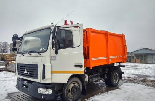 Нову техніку для боротьби зі сміттям закупили на Львівщині