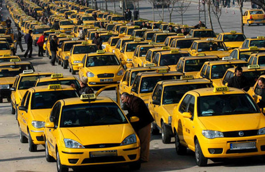 Екстремальну таксистку затримали львівські поліцейські
