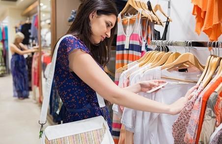 Львівська школярка викрала сукню з магазину