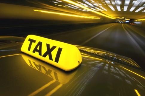 У Львові нетверезі пасажири напали на водія таксі