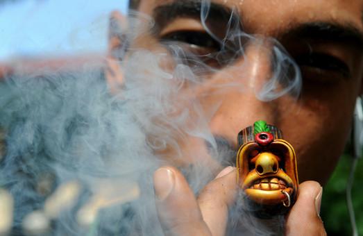 15-річний хлопець на Львівщині впав у кому через марихуану