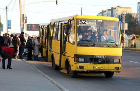 Автобуси, які працюють на бензині, на маршрути повиїжджали, - Сергій Бабак