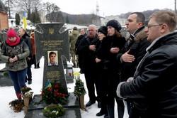 У Львові День соборності розпочали із вшанування полеглих героїв (ФОТО)