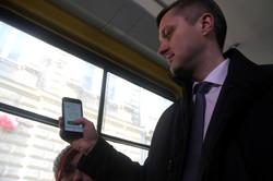 У львівські трамваї та тролейбуси з ґаджетом замість квитка (ФОТО)