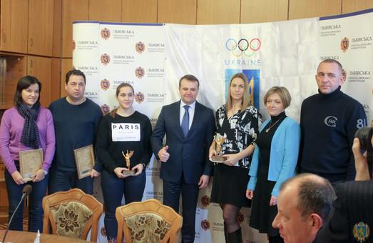 Заслужені фехтувальниці Львівщини отримали нагороди у ЛОДА