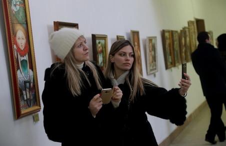 У Львові представили виставку Галини Константюк «Україна у портретах» (ФОТО)