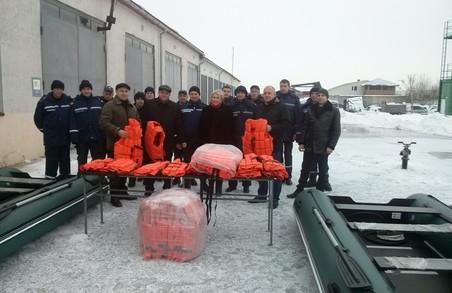 Самбірські рятувальники отримали нове спорядження для порятунку на воді