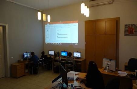 У Львівській обласній бібліотеці для дітей проводитимуть безкоштовні ІТ-курси