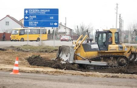 На ремонти доріг у Мостиському районі минулоріч витратили майже 90 мільйонів