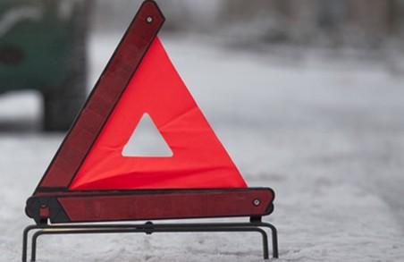 На Львівщині вагітна жінка постраждала через ожеледицю на дорозі. Кількість ДТП перевищила сотню