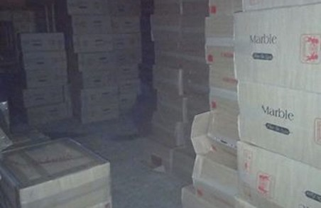 На буковинському кордоні затримали понад сотню ящиків цигарок