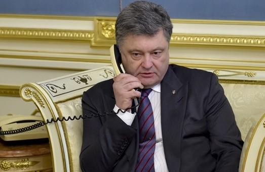 Порошенко почув львівських депутатів: обмежено перелік товарів, які можна перевозити через лінію зіткнення