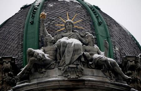 Цьогоріч двом важливим львівським скульптурам додадуть окраси