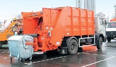 """Садового знову блокують: """"Машини зі сміттям не мають права затримувати"""""""