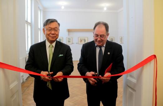 Японці привезли до Львова унікальні гравюри кількасотрічної давнини (ФОТО)