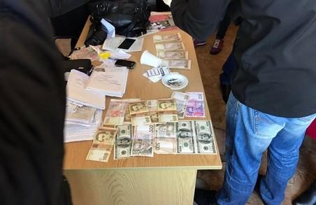 Небезкоштовні результати медкомісії пропонувала посадовець у Львові