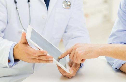 Більшість міських лікарень уже мають електронну реєстратуру, - Володимир Зуб