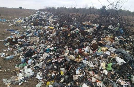 Львівське сміття знайшли на Волині