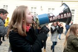 У Львові до  8 березня сотні жінок вийшли на марш (ФОТО)