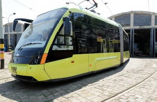 Львів'янин, котрий потрапив під колеса трамваю, відсудив 70 тисяч гривень