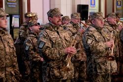 Львівський вокзал та військові долучились до першого святкування «Дня українського добровольця» (ФОТО)
