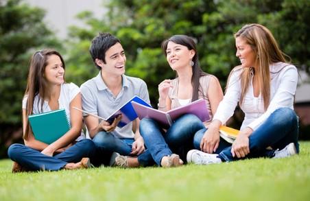 Львівські студенти організовують пізнавальну акцію для української молоді