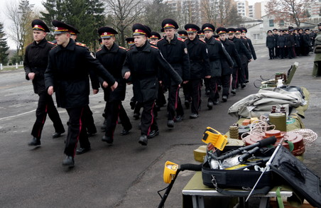 У Львові нацгвардійці продемонстрували бойову міць молодому поколінню (ФОТО)