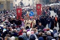 Попри негоду тисячі львів'ян долучились до Хресної ходи (ФОТО)