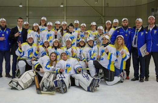 Хокеїстки Львівщини стали срібними призерами чемпіонату України