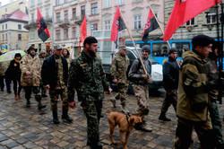 Львівським центром пройшли маршем активісти УНСО (ФОТО)