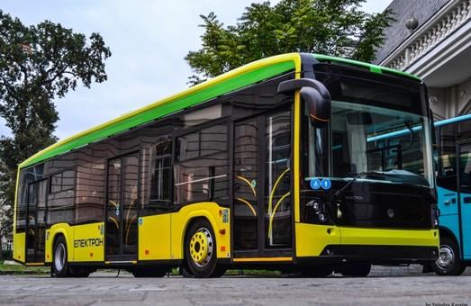 До студентських гуртожитків у Львові курсуватимуть автобуси