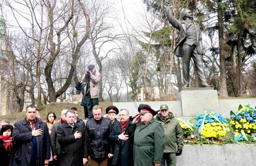У Львові вшанували пам`ять найчеснішого політика з часів Незалежності України (ФОТО)
