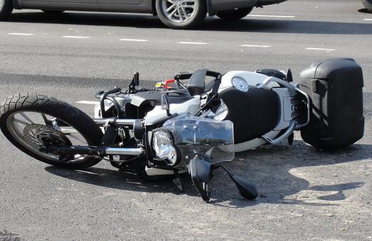 У Львові мотоцикліст збив жінку