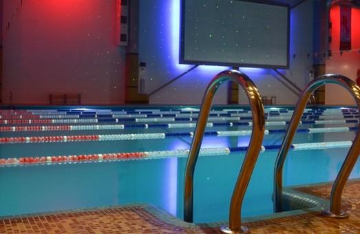 Львівські діти зможуть поплавати у відновлених шкільних басейнах