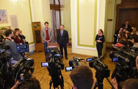 Міністр Омелян щасливий, що на «Укрзалізниці» проводять обшуки