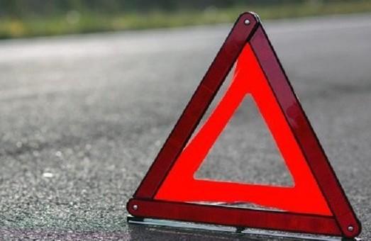 На Львівщині чоловік покинув автівку на місці ДТП біля церкви