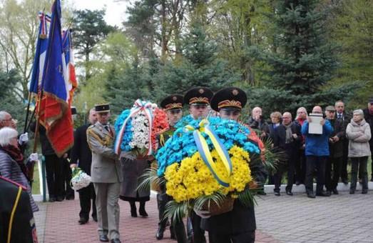 Французи прибули на Львівщину вшанувати жертв концтаборів