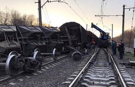 У Львові відбулась залізнична аварія, з рейок зійшли товарні вагони