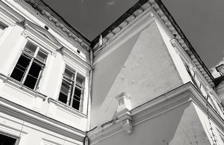 У Буську з палацу графа Бадені невідомі вкрали скульптуру прекрасної леді