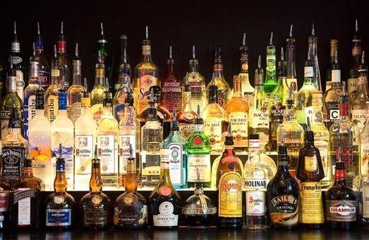 Львівські правоохоронці знайшли елітний алкоголь