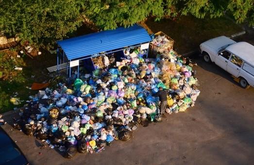 """""""Наразі ще угоди не підписані"""", - Садовий про вивезення сміття зі Львова"""