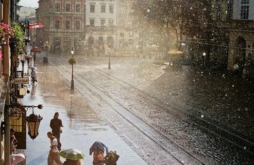 У Львівській області очікується град та потепління