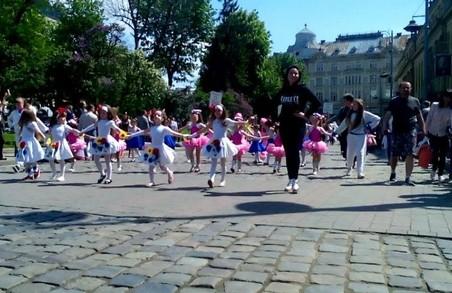 Львів святкує: центром міста пройшла хода
