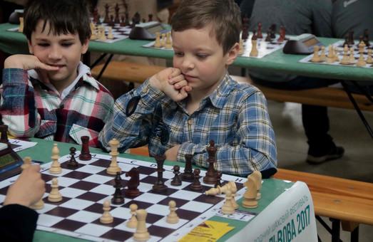 Сотні юних шахістів змагаються у Львові за титул кращого (ФОТО)