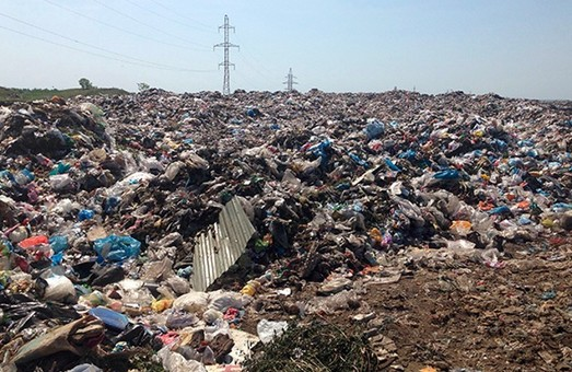 Садовий хоче зірвати «сміттєвий» меморандум?