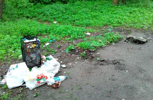 Мародерство по-львівськи: благоустрій парків під прицілом