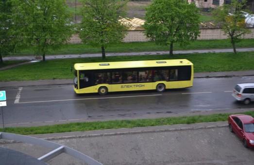 """""""Маршрут №3 повністю обслуговують нові автобуси"""", - Струтинський"""