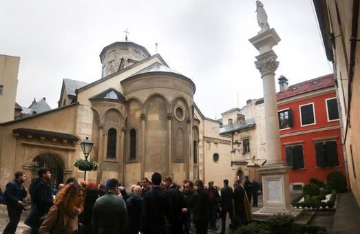 Подвір'я Вірменського Собору капітально відремонтували