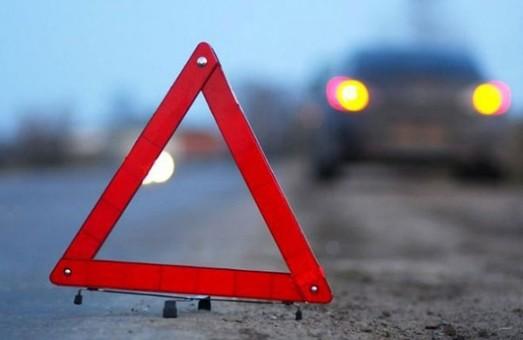 На Львівщині мікроавтобус зіткнувся з легковиком