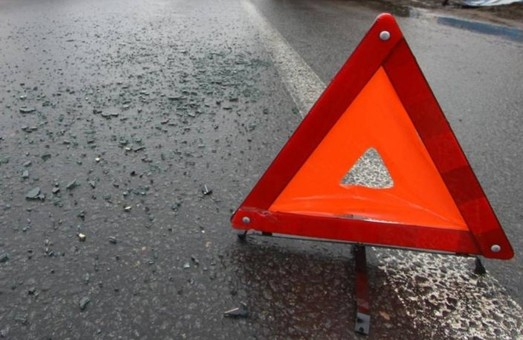 На Львівщині два автомобілі опинилися в полі через ДТП